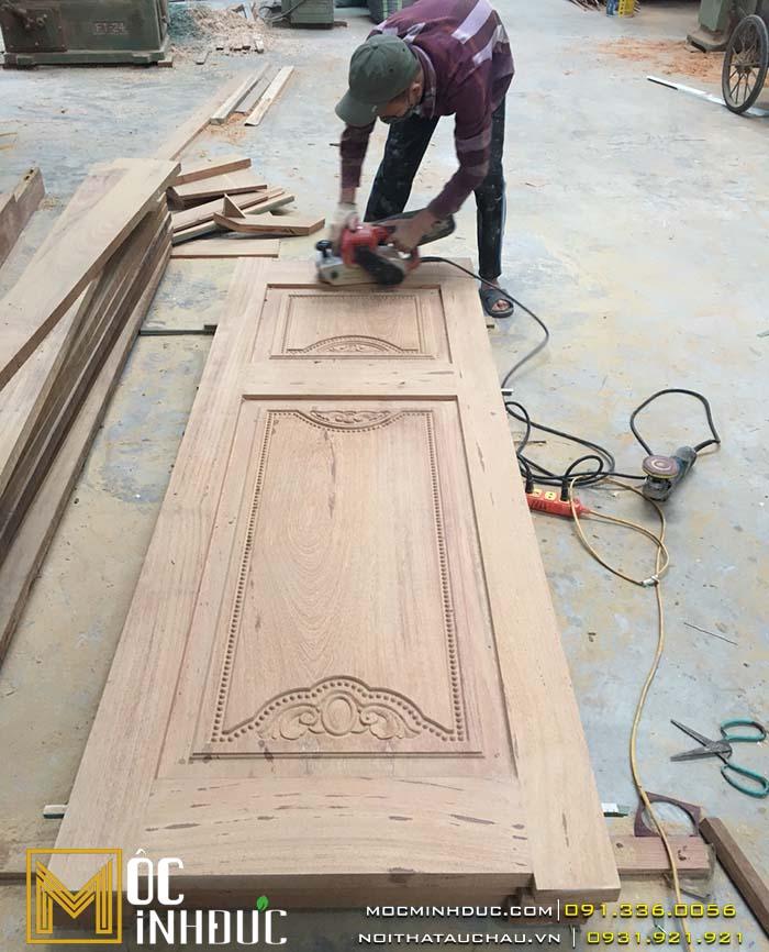 Thi công cửa gỗ
