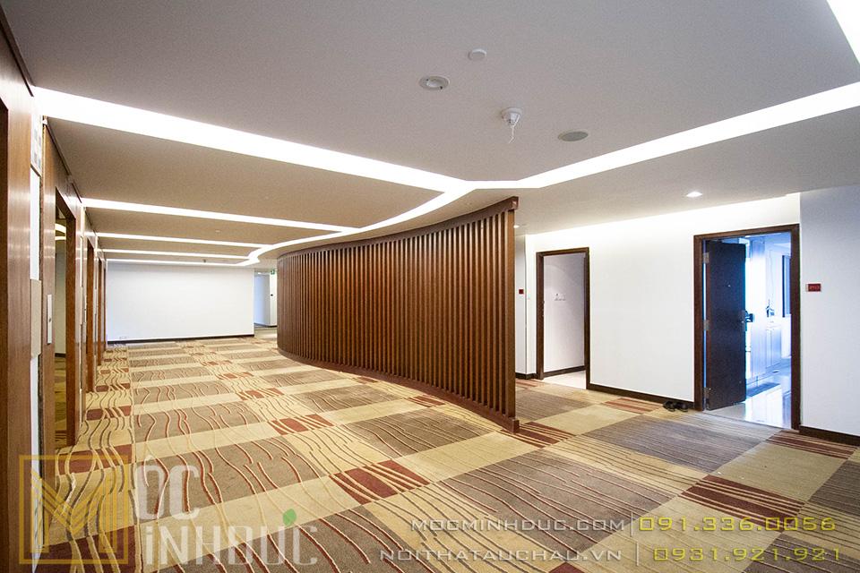 Thi công hành lang khách sạn Crowne Plaza