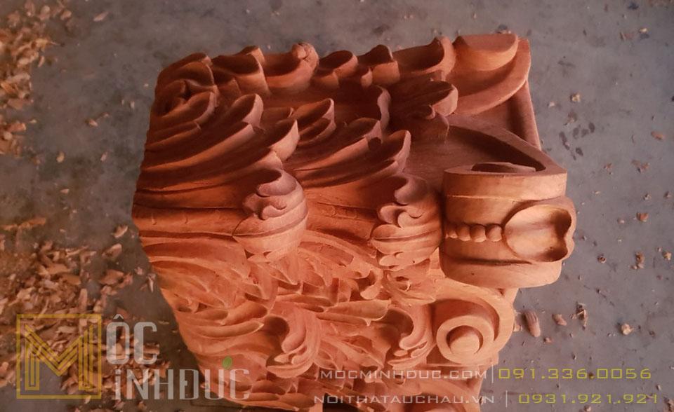 Mẫu hoa văn phù điêu cột gỗ tự nhiên