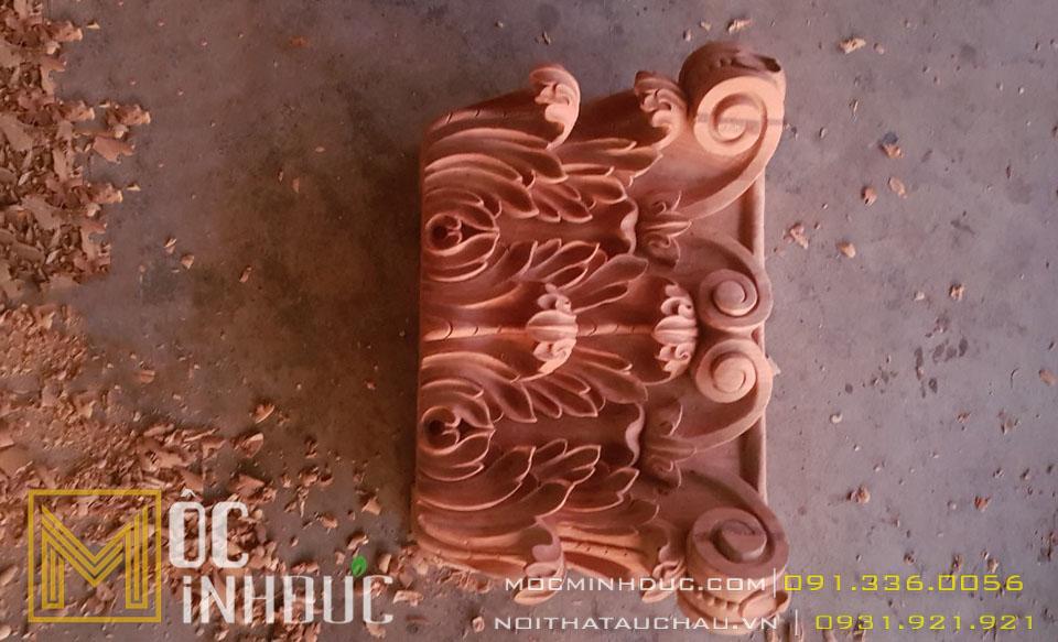 Mẫu hoa văn phù điêu đầu cột gỗ