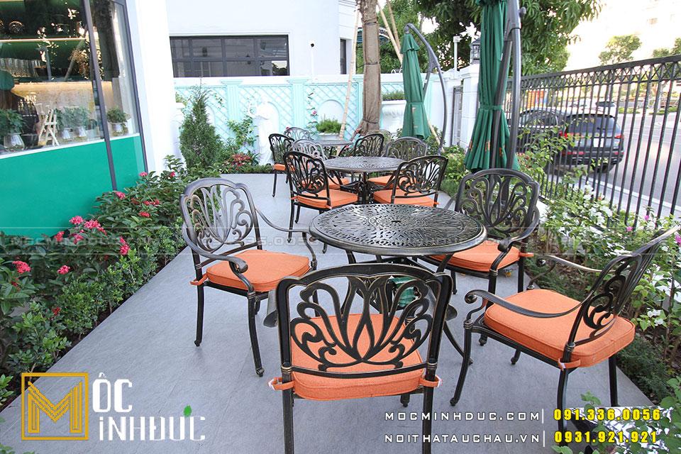 Sân vườn quán Cafe
