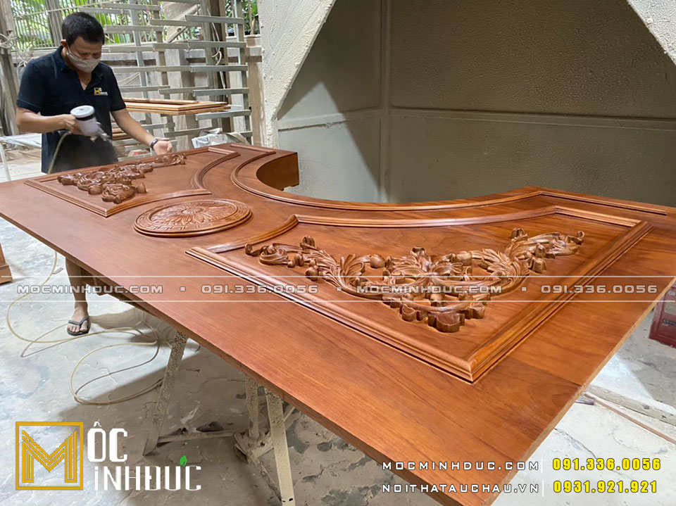 Cửa gỗ gõ đỏ cao cấp