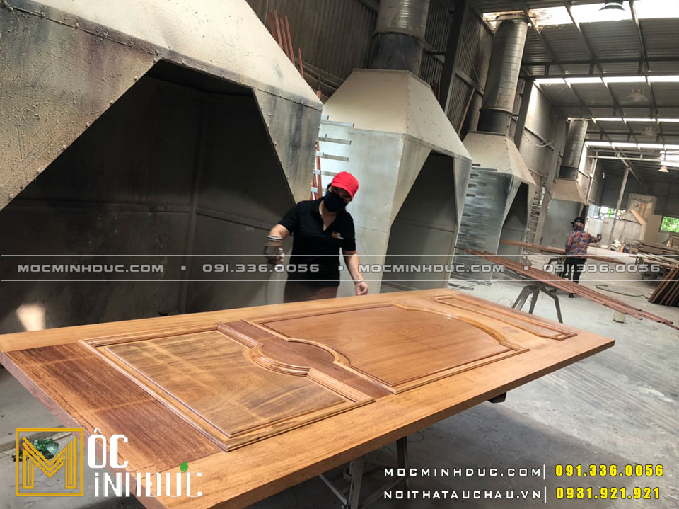 Cửa gỗ lim đẹp