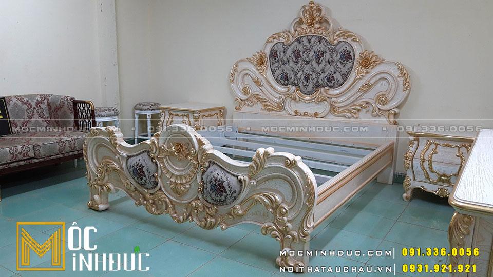 Giường gỗ Sồi dát vàng cao cấp