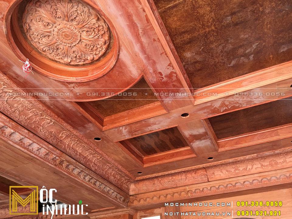 Thi công nội thất trần gỗ dinh thự