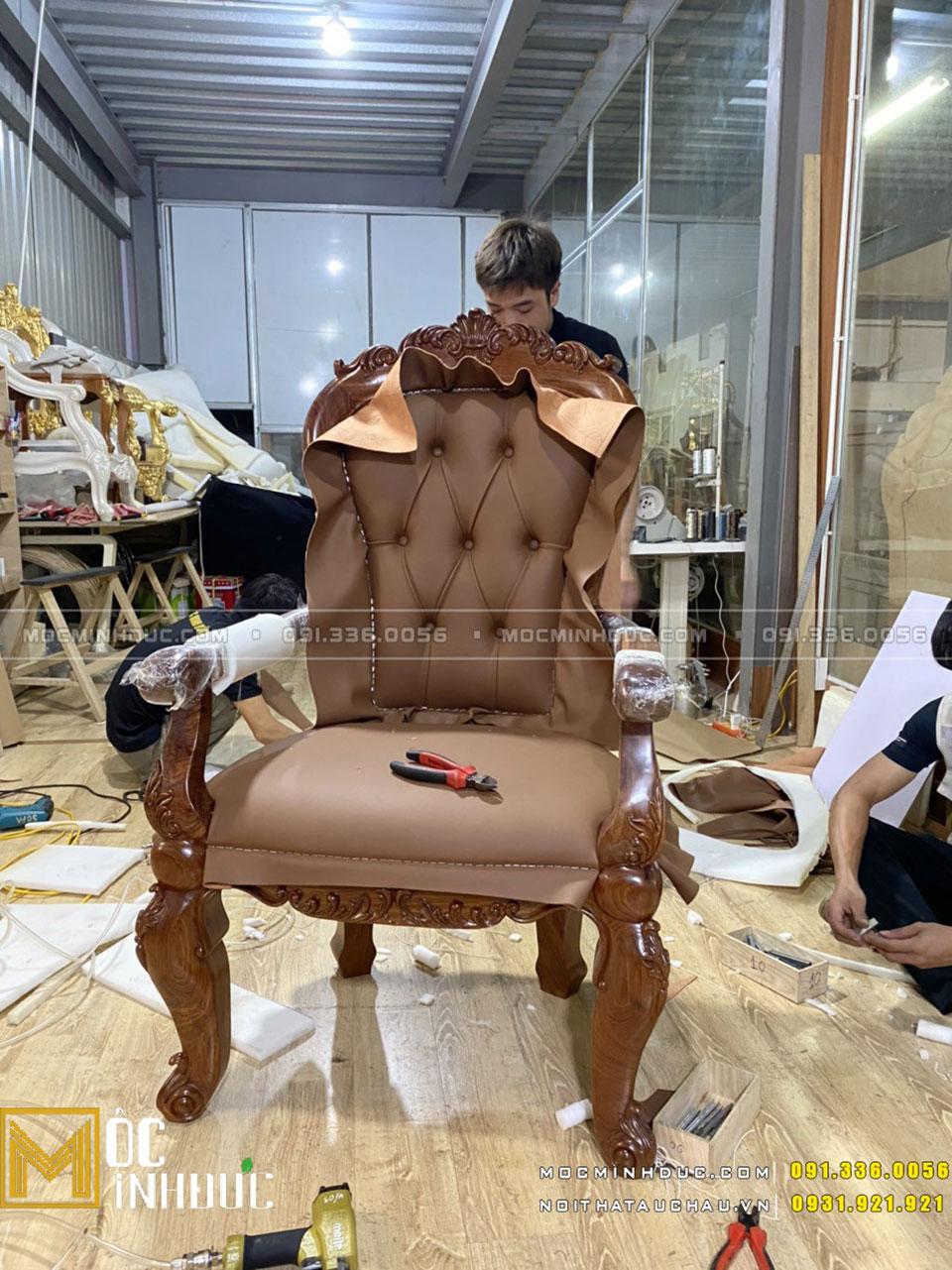 Bọc da ghế gỗ giám đốc